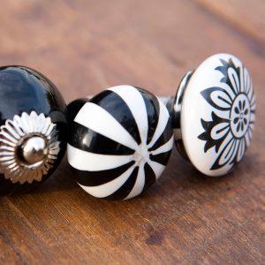 ידיות קרמיקה שחור ולבן