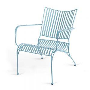 כסא נוח נמוך מברזל תכלת