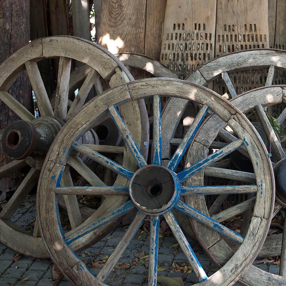 גלגל כרכרה מעץ