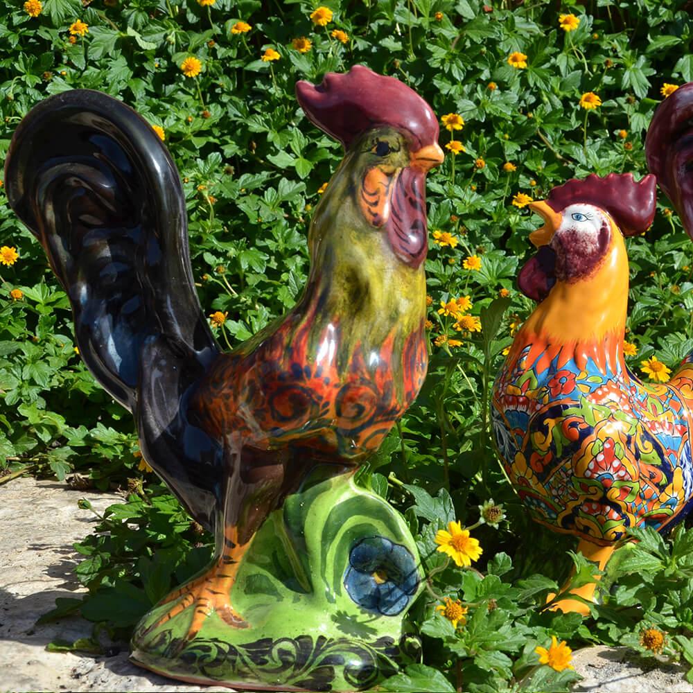 תרנגולת צבעונית מקרמיקה