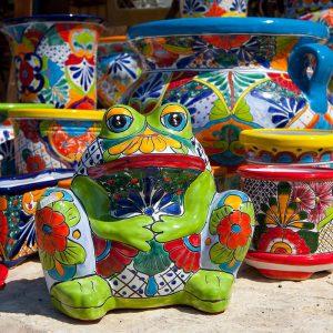 צפרדע צבעונית מקרמיקה