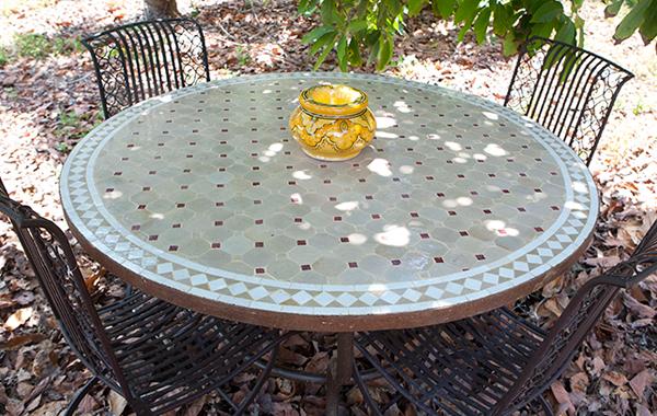 שולחן פסיפס עגול מרוקאי