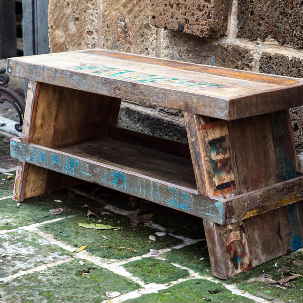 ספסל מעץ ממוחזר