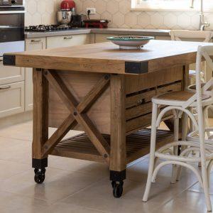 אי למטבח כפרי מעץ מלא
