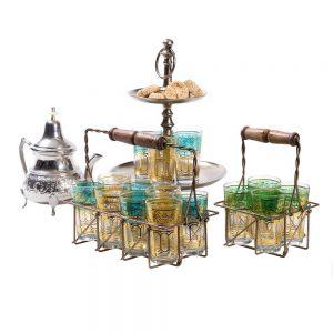קומקום מרוקאי וכוסות תה מרוקאים